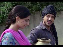 Finally Bhaag Milkha Bhaag Enters Rs 100 Crore Club