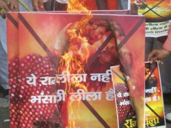 Sanjay Leela Bhansali Ram Leela Dispute Shiv Sena Demanded Ban Film
