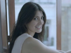 Great News Anushka Sharma Turns Producer With Nh