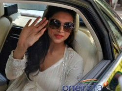Deepika Padukone Open Doing Small But Meaty Roles Hollywood