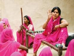 Gulaab Gang In Trouble Gulaabi Gang Sampat Pal Files Case Against Film