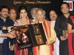 Shreya Ghoshal Launches Humnasheen First Ghazal Album