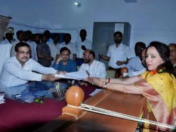 Hema Malini Campaigns Mathura People Were Crazy About Her Lse