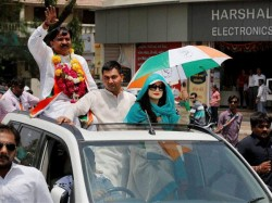 Bollywood Actress Amisha Patel Conducts Road Show Support Congress