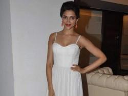 Jisshu Sengupta Romance Deepika Padukone On Screen Piku