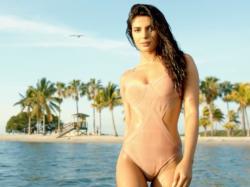 Priyanka Chopra Hotter A Bikini Than Sunny Leone Deepika Padukone Us Poll