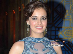 Former Beauty Queen Dia Mirza Gives Voting Miss Ahed Wedding