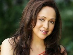 Veteran Actress Hema Malini Will Turn 66 044428 Pg