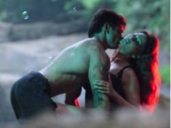 Bipasha Basu Denies Been Unlucky In Love