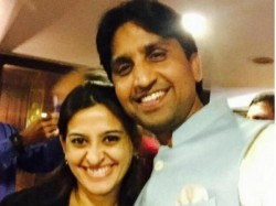 Tv Actor Smita Bansal Wishes Birthday To Aap Member Kumar Vishwas