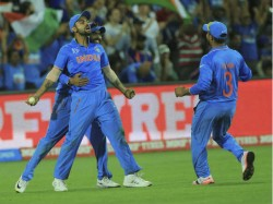 Bollywood Celebrities Tweeted About Team India Winning