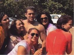 Dont Miss Salman Khan Goes Shirtless On Holi