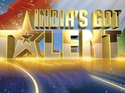 Photos Indias Got Talent 6 Narendra Modi On The Sets 047908 Pg