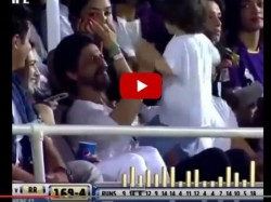 Video Shahrukh Khan Makes Abram Khan Dance Ooh La La