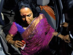 Hema Malini Met An Accident Bollywood Wishes Speedy Recovery