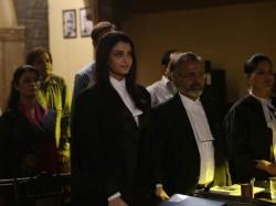 Jazbaa Movie Review In Hindi 050652 Pg