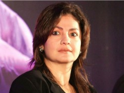 Pooja Bhatt Spills Beans On The Story Sadak