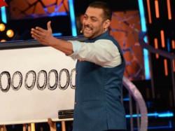 Salman Khan Signs Bigg Boss 10 Contract