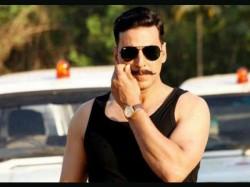 Akshay Kumar Signs Three Film Deal With Yashraj Films
