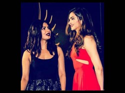 Deepika Padukone Refuses Share The Stage With Priyanka Chopra Iifa