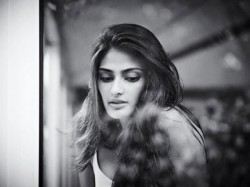 Athiya Shetty Is Nervous Mubarakan Movie