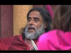 Bigg Boss 10 Live Update Manu Lopa Ara Discussing About Rohan Bani