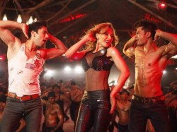 Iulia Vantur Roped For A Song In Kick