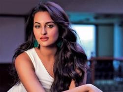 Sonakshi Sinha Star The Hindi Remake Aapla Manus