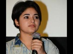 Javed Akhtar Geeta Phogat Babita Phogat Reaction On Dangal Girl Zaira Wasim Controversy