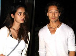 Tiger Shroff Sends Letter To Photographers Says Don T Click Me With Disha Patani