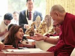 Lisa Ray Meets Holiness Dalai Lama In Delhi