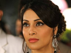 Bipasha Basu Statement On London Fashion Show Controversy