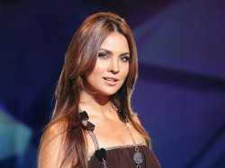 Lara Dutta Become Producer Play Single Mother Role Her Next Film