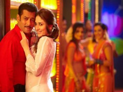 Kareena Kapoor Khan Give Tribute Shahrukh Salman Aamir