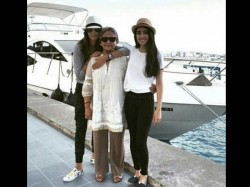 Navya Naveli Shared Pictures With Jaya Bachchan