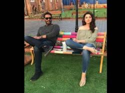 Ajay Devgn Parineeti Chopra Latest Pic From Golmaal Again Set