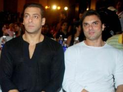 Salman Khan S Manager Reshma Shetty Was Fired Because Sohail Khan