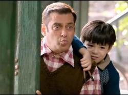 Krk Roasts Tubelight Trailer Salman Khan