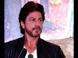 Priyanka Chopra Losing Big Films Because Shahrukh Khan