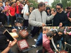 Varun Dhawan Wraps London Schedule Judwaa 2 Celebrates With Team