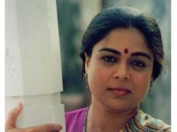 Bollywood Stars Twitter Reaction On Reema Lagoo Demise
