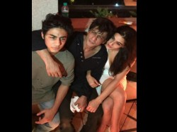 Shahrukh Khan Pic With Aryan And Sara Ali Khan