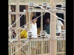 Shahrukh Khan Starts Shooting Anand L Rai Film See First Pic