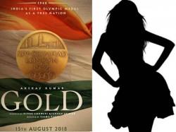 Mouni Roy Opposite Akshay Kumar In Gold