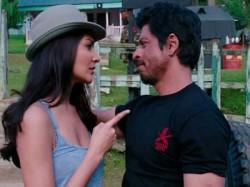 Anushka Sharma Sharukh Khan Sweet Fight