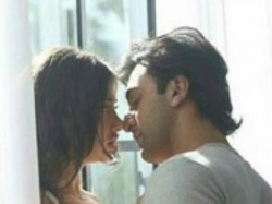 Ranbir Kapoor Gets Intimate With A Girl Picture Goes Viral