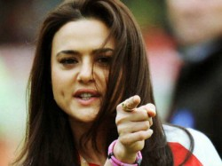 Preity Zinta Rubbishes Reports Farhan S Show Being Based On Alleged Fling During Ipl