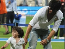 Shahrukh Khan Abram Indulge In Some Games On Anand L Rai Film Set