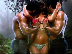 Actress Divya Singh Got Intimate With Men On Screen
