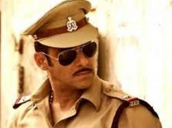 After Gold Mouni Roy In Salman Khan Dabangg